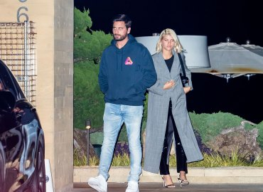 Scott disick sofia richie dinner date following mexico topless vacation feature