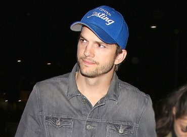 Ashton kutcher breakdown after demi moore divorce