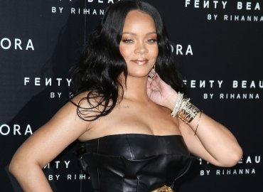 Rihanna shows off major weightloss tight black dress
