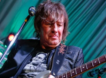 Share your gratitude this fathers day get  a chance to win an autographed guitar from richie sambora star