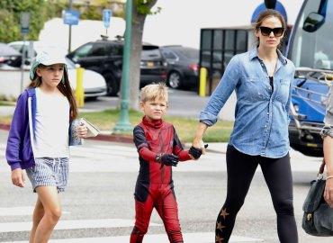 Jennifer Garner Kids School Shopping Ben Affleck Rehab Samuel Seraphina