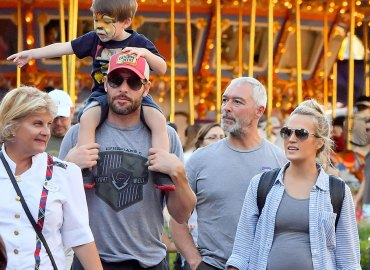 Carrie underwood baby bump pregnant son husband disneyland