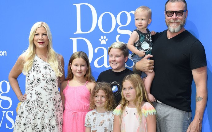 Tori Spelling Trolls Attacks Kids First Day Of School