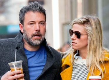 Ben affleck lindsay shookus breakup snl cast members her side star