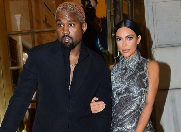 Kanye west blasted texting cher show opening night