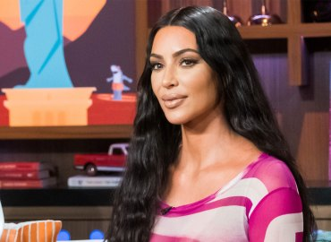 Kim kardashian plastic surgery fans mimic photos