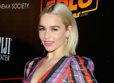 game of thrones emilia clarke 2 brain aneurysms brain surgery