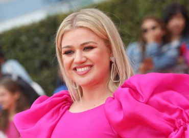 Kelly clarkson weight loss denies taking pills