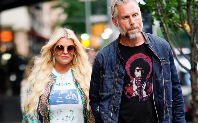 -PICTURED: Jessica Simpson and Eric Johnson