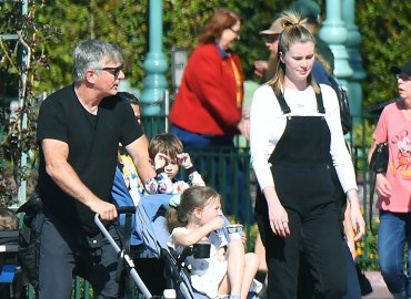 Alec, Hilaris and Ireland Baldwin with the kids at Disneyland