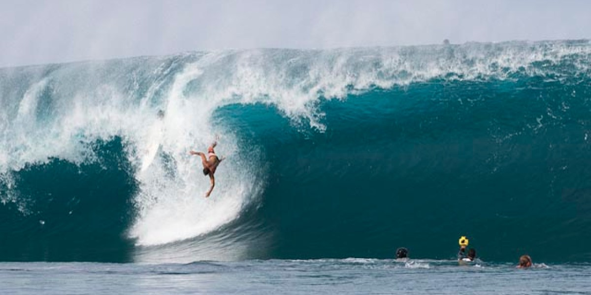 730052a4dd 8 reasons why Teahupoo is the most dangerous wave in the world ...