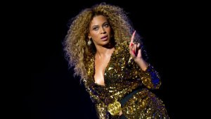 Beyonce Diva — She Will Not Let Her Bodyguards Shower