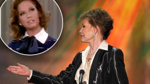 Mary Tyler Moore: Her Tragic Final Hours thumbnail