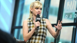 anna faris scandals divorce diva