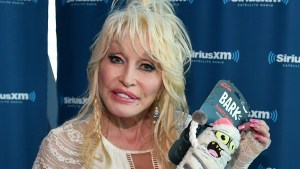 dolly parton naked earthquake fears