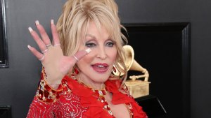 Dolly Parton Bundled Away From Speech By Security Over Stabber Fan Fright