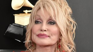Dolly Parton Slams Rumors She's a Lesbi