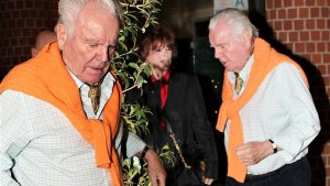_Robert wagner makes rare appearance with his wiffe after natalie wood murder accusations pp