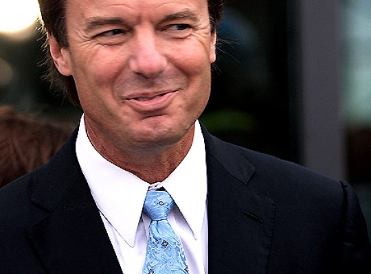 JOHN EDWARDS WANTS TO SHACK UP WITH RIELLE thumbnail
