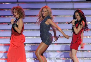 """Fox's """"American Idol 2011"""" Finale   Results Show   Show"""