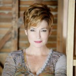 Actor Carolyn  Hennesy